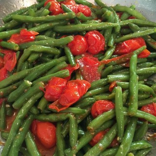 Fresh Green Beans with Cherry Tomatoes – Try this on the Side!